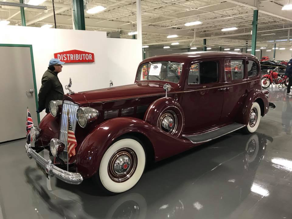 Packards-1938-super-8-limo-1