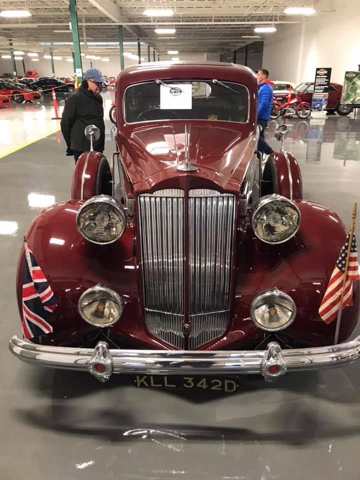Packards-1938-super-8-limo-2