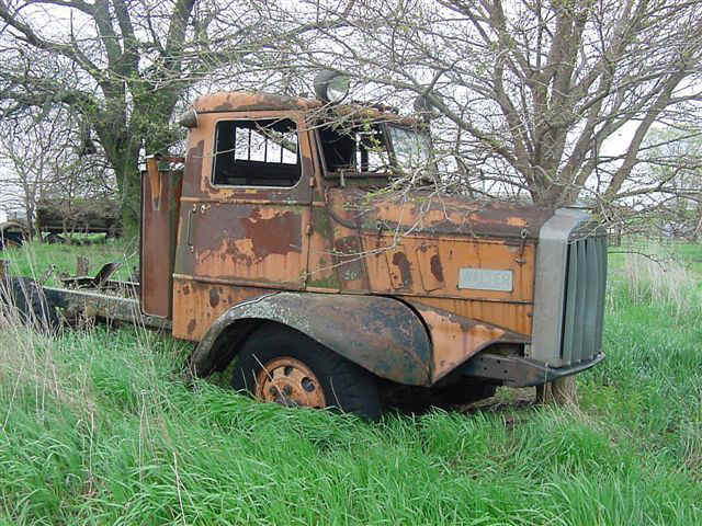 1936-Walter-truck-with-Waukeshaw-engine