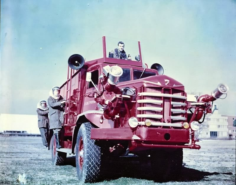 NEW----Navy-Crash-Truck-USN-274996-as-a-1954-Walter-Maxim--]