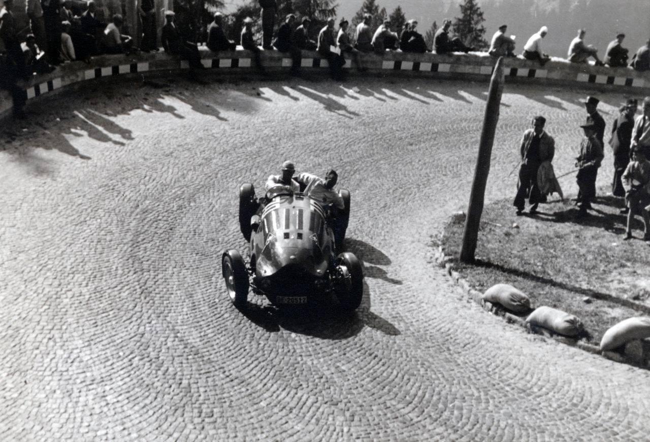 Alfa-Romeo-1953-Graubunden-Majola-Pass-Schweiz