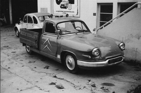 Citroen-Panhard--melange-bumper-63-65-knipperlichten-61-62-motorkap-63-koplampen-64-65-wieldoppen-60-62