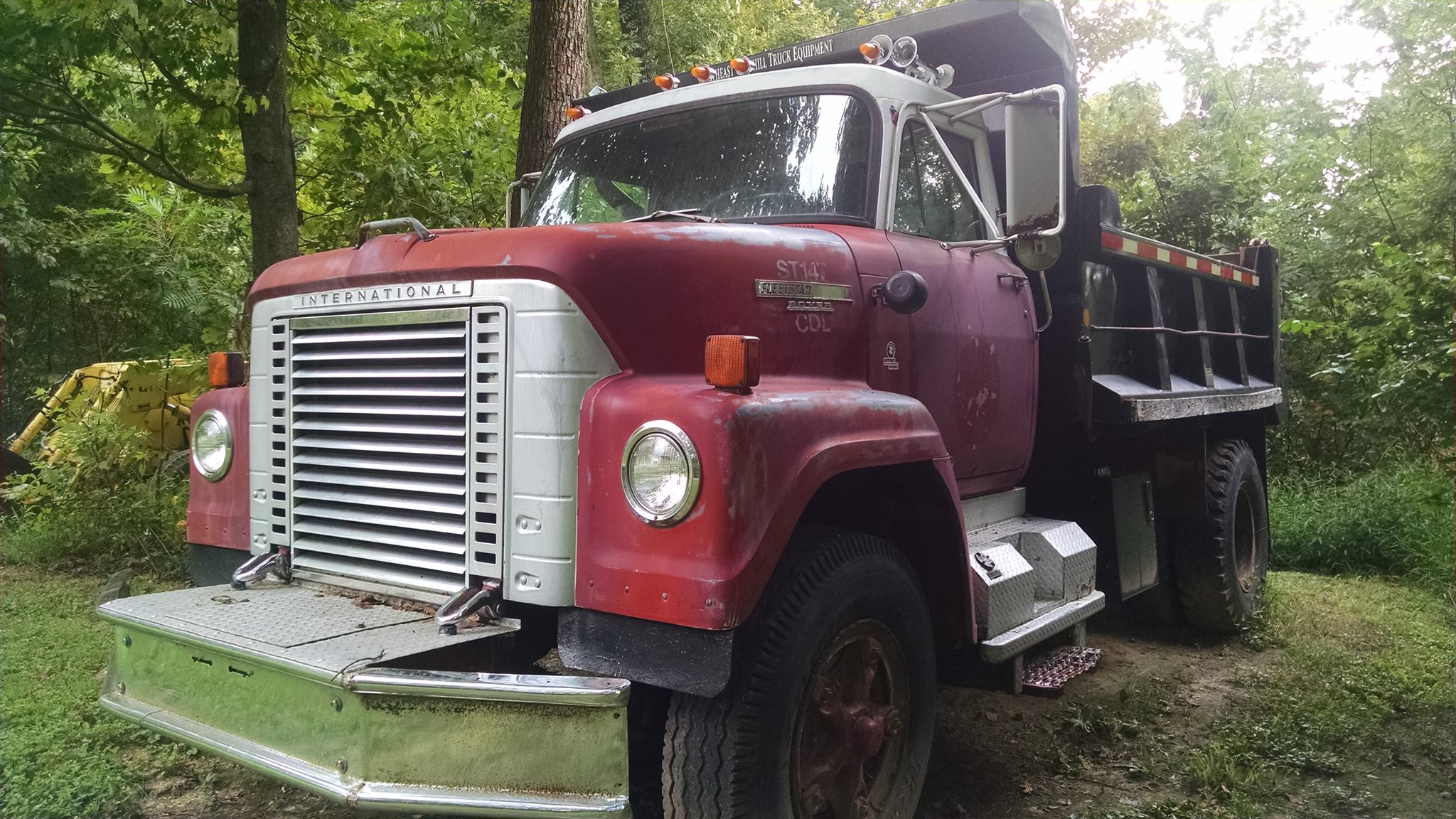 International-1973-fleetstar--6v53-detroit-diesel-powered-Sawyer-Williamson