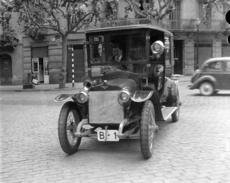 de-eerste-auto-in-Barcelona--augustus-1907-B1-Hispanic
