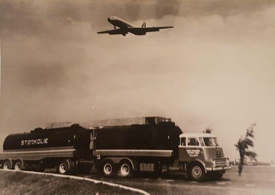 DAF-2000-de-laatste-chauffeur-van-deze-combi--was-Dhr-Klapwijk-de-AHW-is-omgebouwd-tot-opl