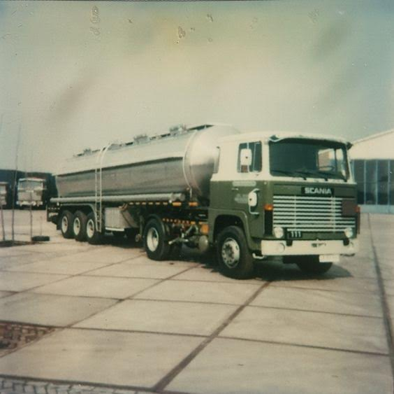 Dirk-Klapwijk-heeft-deze-Scania-met-hobur-opl-in-1979-nieuw-gehad