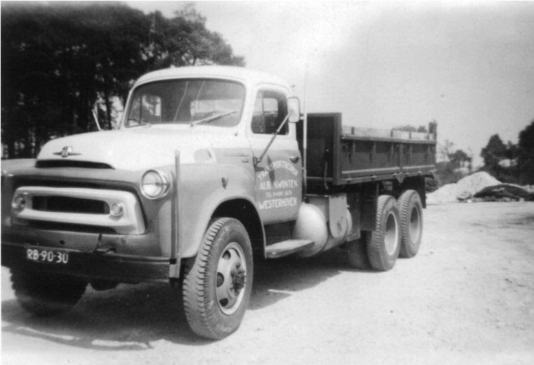24-1957-INTERNATIONAL-kipper