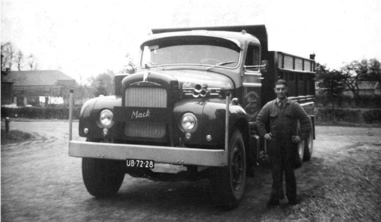 37-1962-MACK-6x4-kipper-met-BUCA-kipper