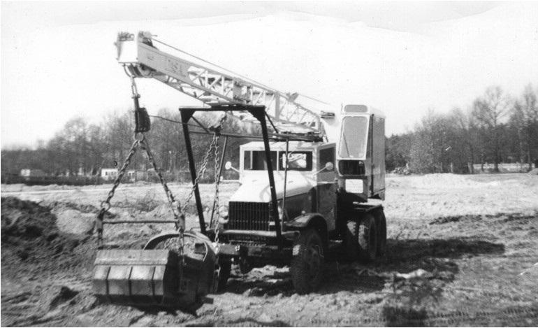 6-PASAL-dragline-op-een-GMC-truck
