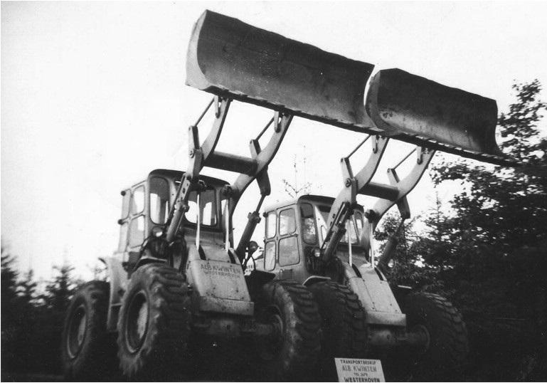 53-1965--twee-CAT-922B-wielladers