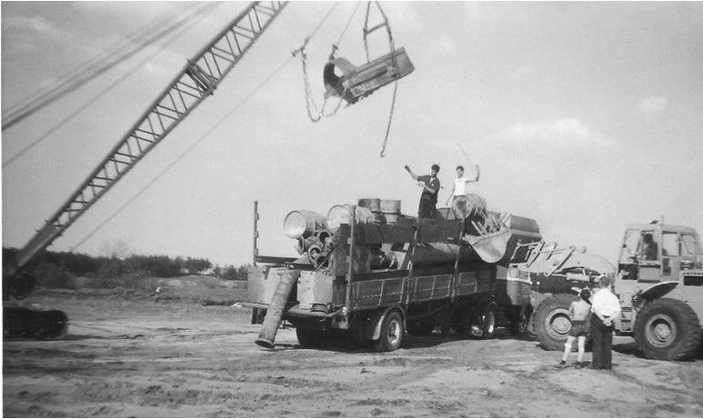 55-1967-Lossen-van-de-persleiding-en-drijvers-bij--het-Gat-van-Waalre