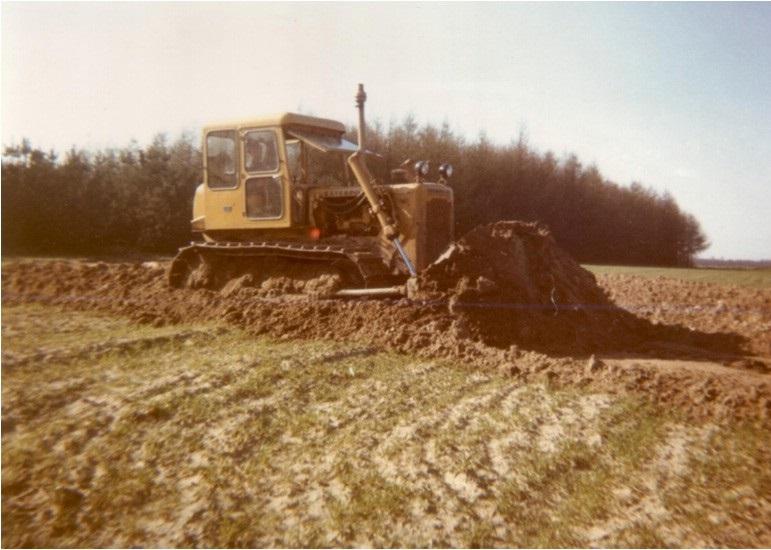 62-1968-CATERPILLAR-D-4-D-bulldozer