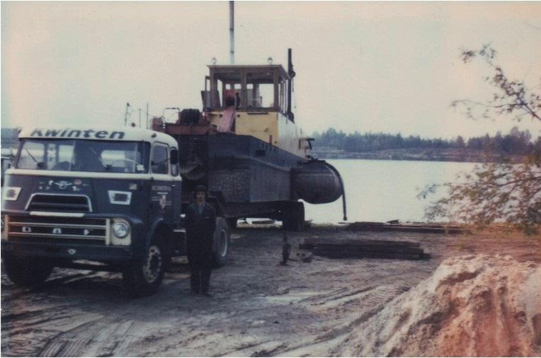 65-1967-De-eerste-zuiger-bleek-al-snel-te-klein-en-een-grotere-werd-gekocht-een-SBN-DSB-300-20-welke-tot-20m-diepte-kon-zuigen