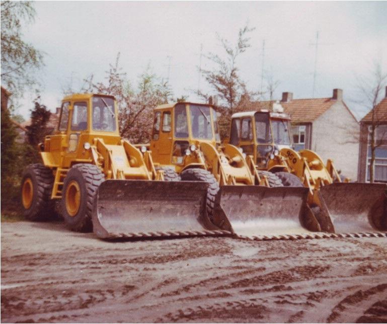 84-1972-CAT-936-en-twee-CAT-950-wielladers