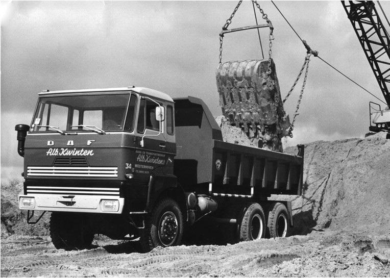 98-1976-DAF-FAZ-2205-6x6-kipper-word-geladen-met-de-NOBAS-dragline
