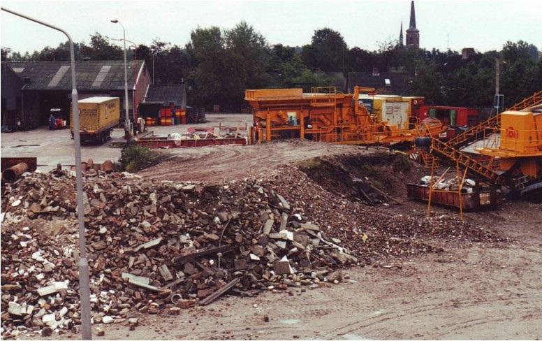 17-1981-Puinbreker-op-de-werf