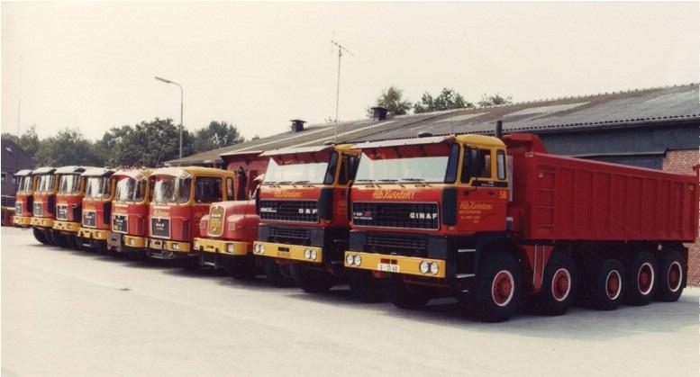32-1988--De-eerste-GINAF-F-521-vijfassige-kippers-met-naast-de-overige-netjes-gewassen-kippers