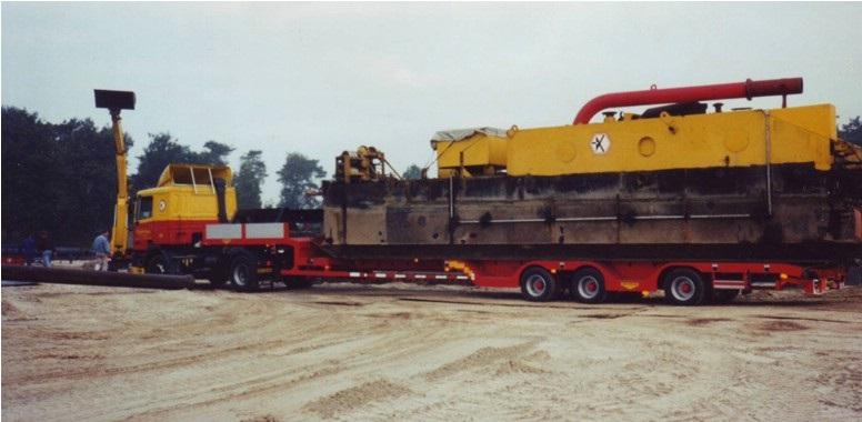 48-1994-De-zandzuiger-op-transport