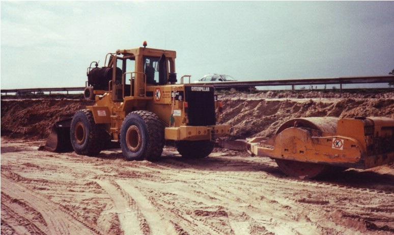 51-1995-CATERPILLAR-950-F-met-aanhangtrilwals