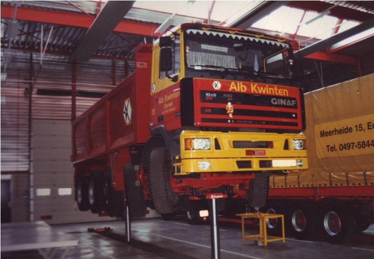 71-1996-De-onderhoudswerkplaats-met-APK-keuringsfaciliteiten