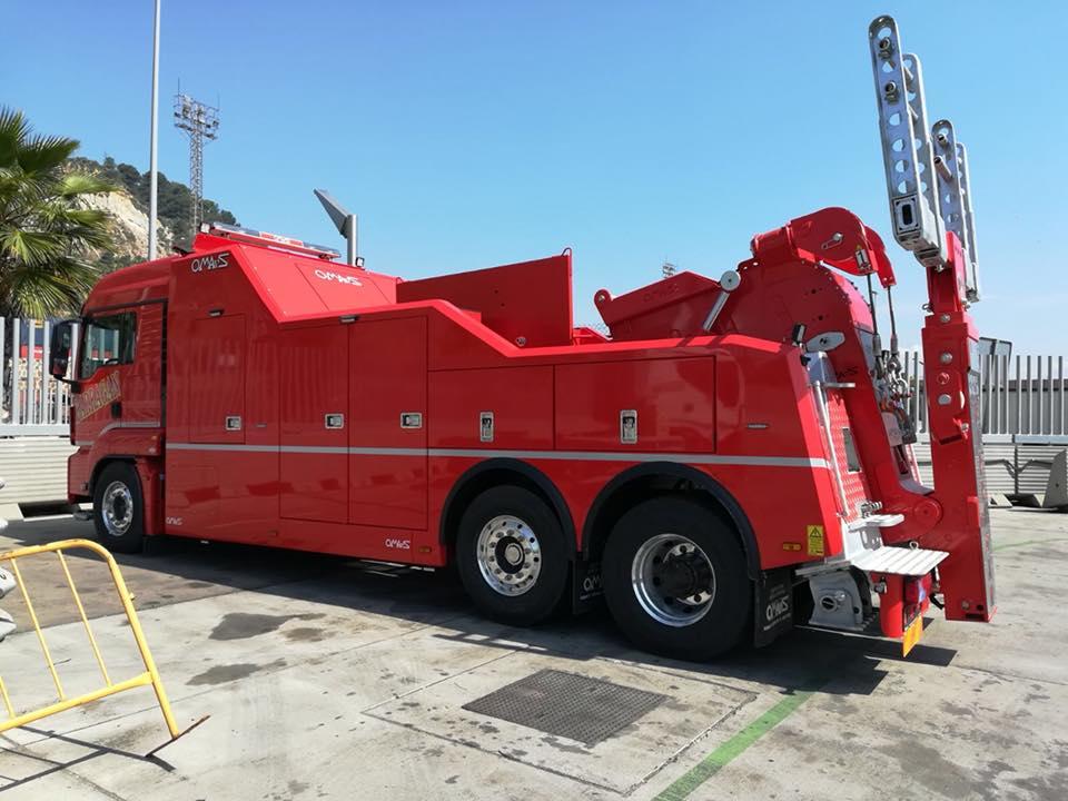 Daar-is-onze-nieuwe-sleepboot-in-spanje--net-binnen-gebracht-van-de-carrosseriebouwer-omars-italia-2