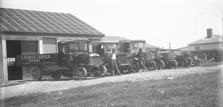 A--Parkes--Carriers--Opunake-1923-maby-Leyland-1