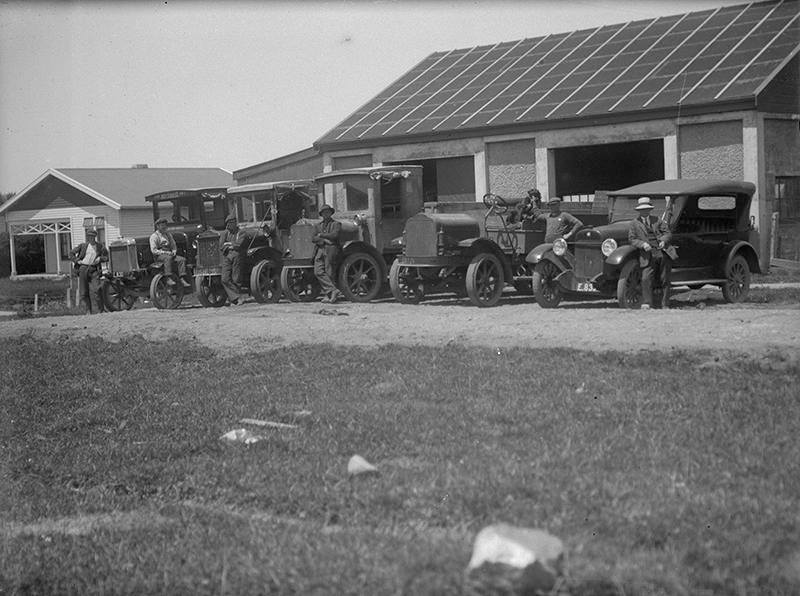 A--Parkes--Carriers--Opunake-1923-maby-Leyland-2