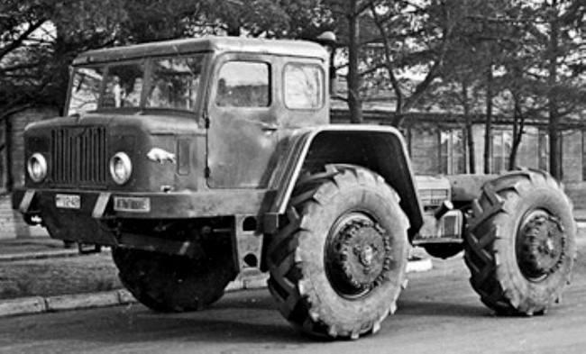 MAZ-532-sleepwagen-voor-in-de-bossen