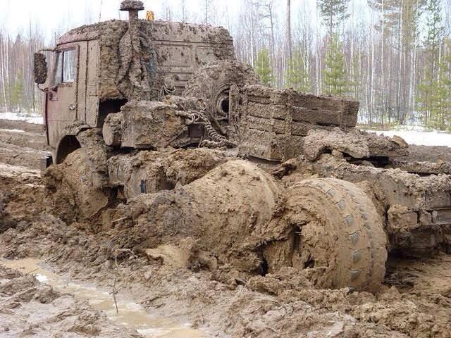 KAMAZ-6x6-Truck-in-mud