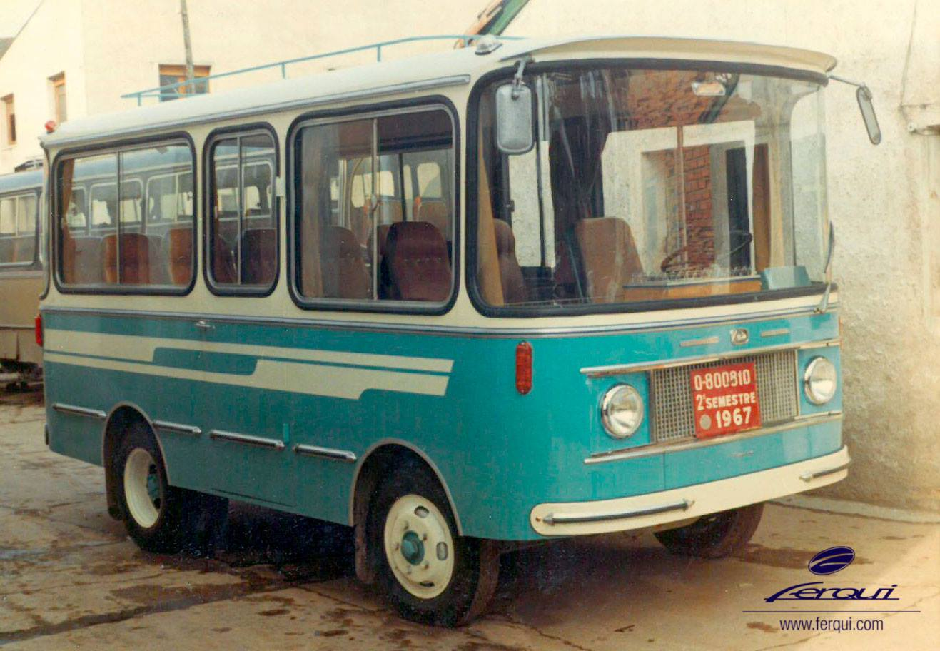 1967-micro-bus-13-C-op-chassis-Avia-1