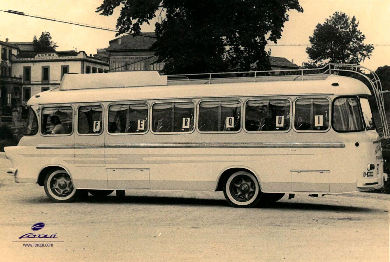Kant-van-voertuig-voor-auto---s-aan-het-einde-van-de-jaren-50-Xavina