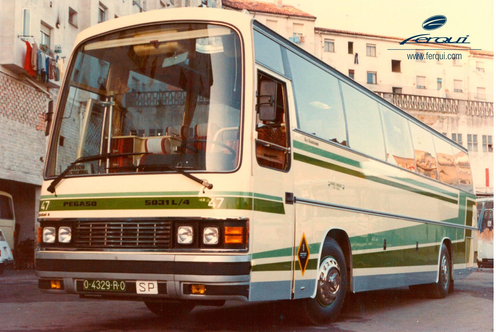 Pegaso-5031-4-motor-achterin-1983