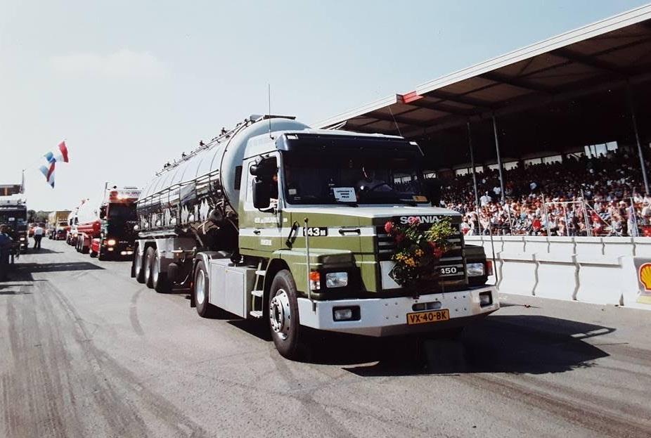 Scania-neus-versierd-VX-40-BK