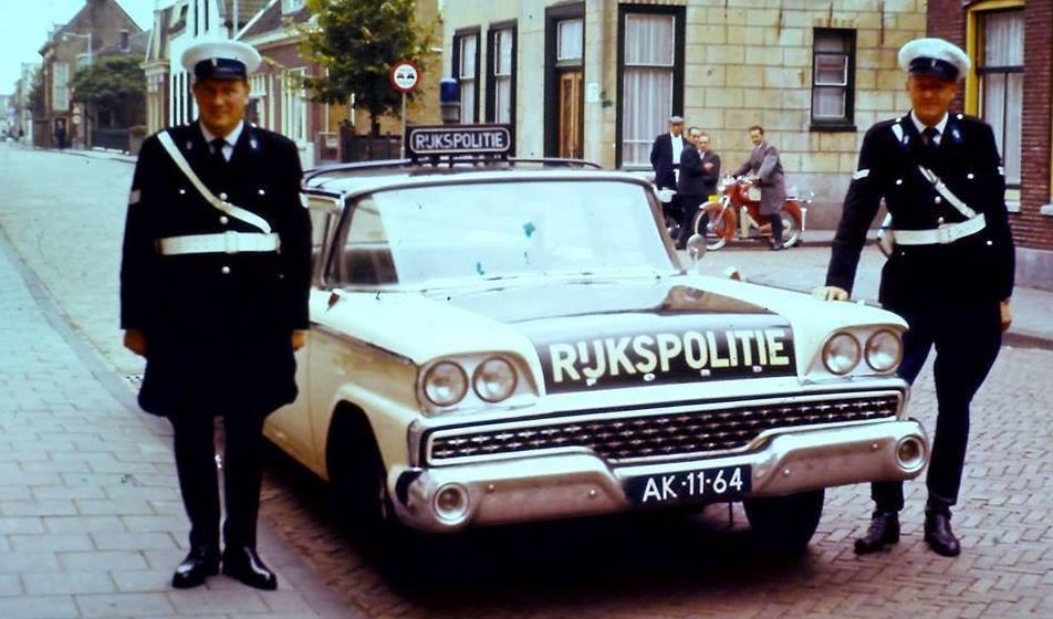 Ford-Galaxie-500-1959
