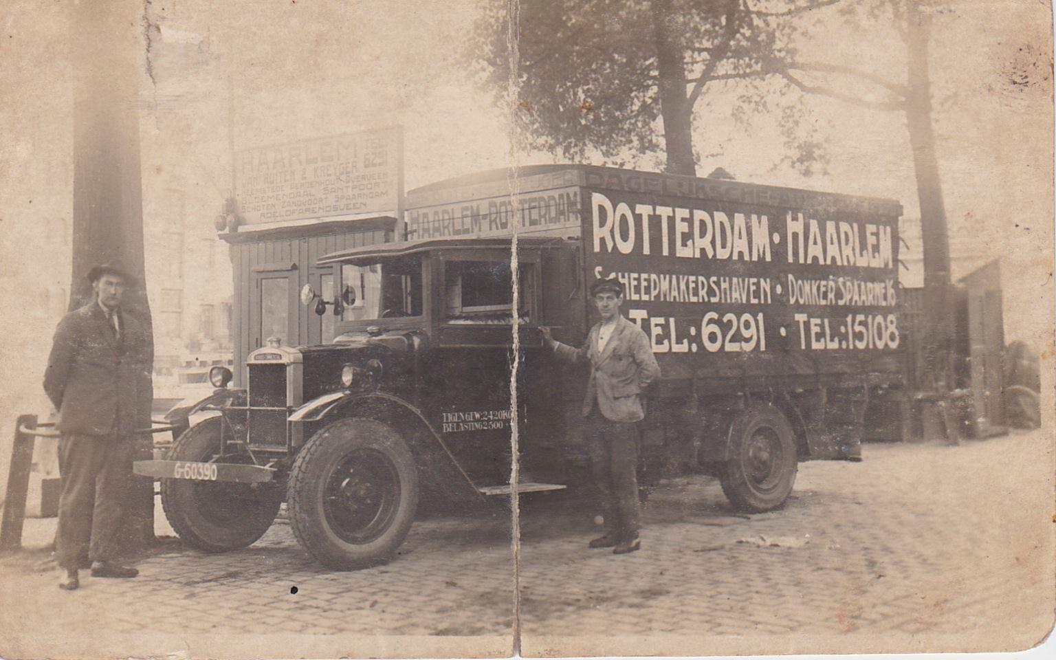 Dirk-Klapwijk-Dit-is-de-oudste-foto-die-ik-van-mijn-1e-werkgever-heb-kunnen-vinden--Joh-Kreijger-Bert-Klanderman