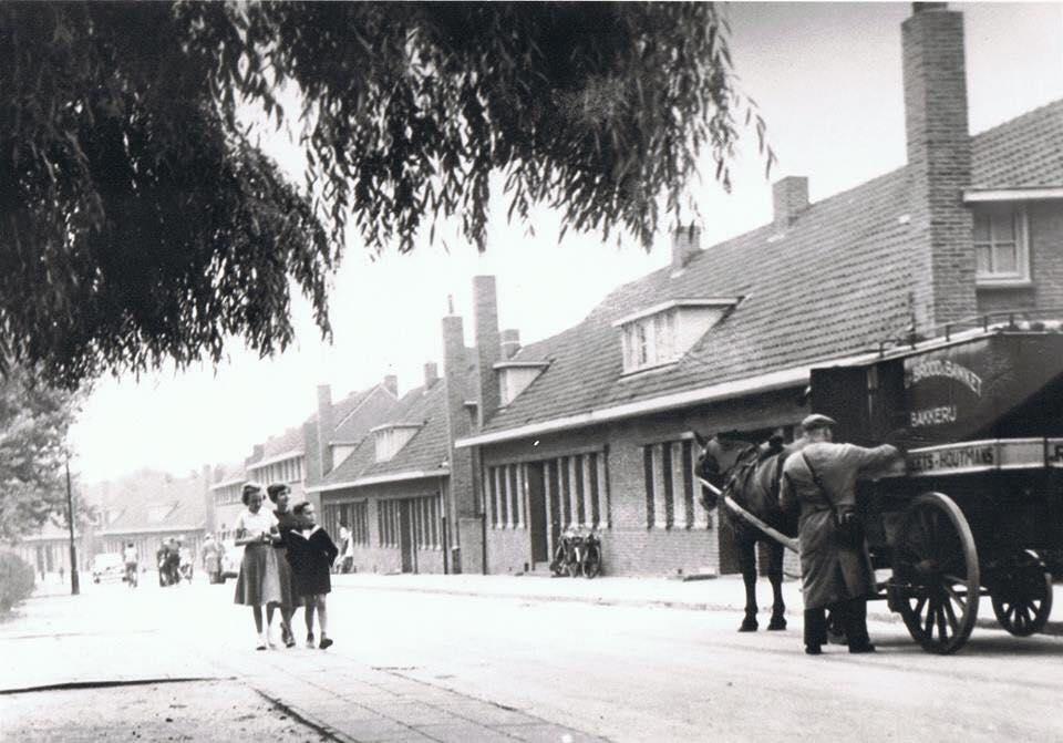 Bakker-Smeets-de-Torenstraat-op-de-Langenberg-in-1951