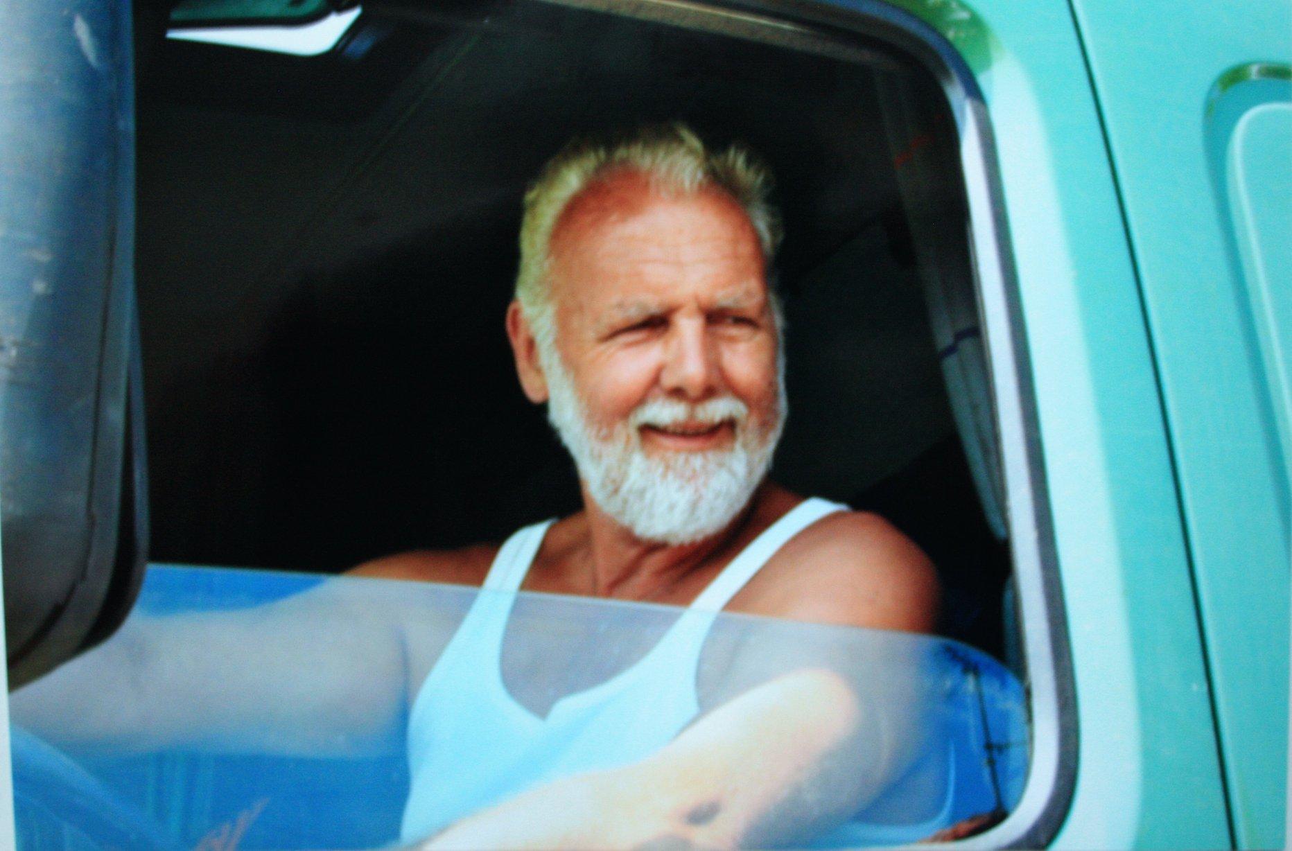 Dit-is-de-laatste-Truck-een-Volvo-FM-12-420-PK-die-J-Kuperus-gehad-heeft-tot-de-dag-dat-hij-met-het-bedrijf-in-Wijnaldum-is-gestopt-op-26-Juli-2006