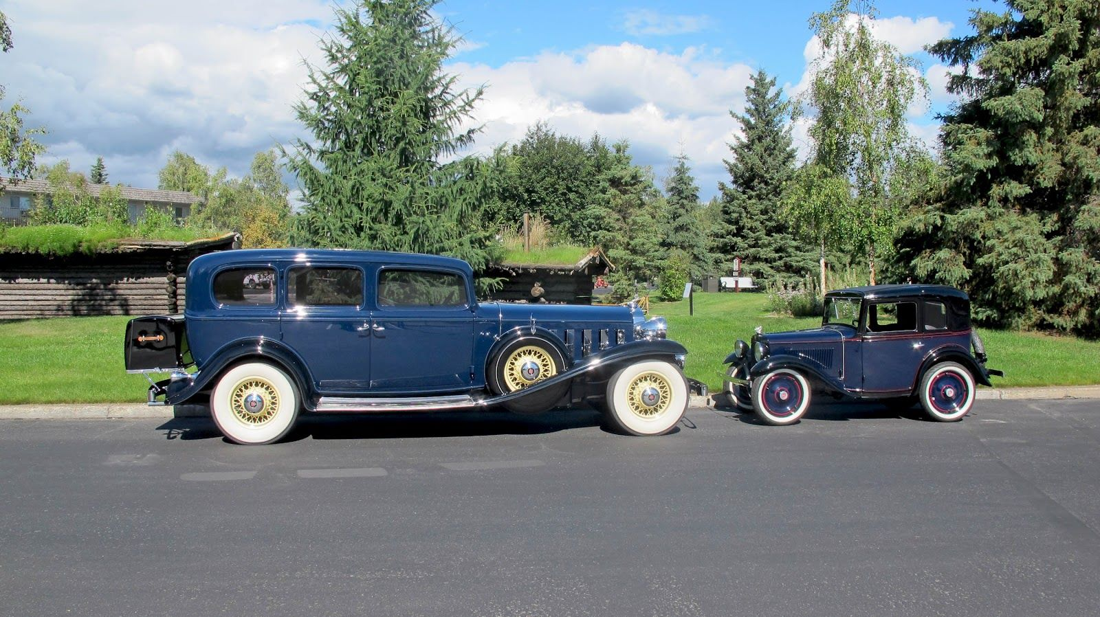 1932-Cadillac-V16-Imperial-Limousine--1934-American-Austin-Series-475-Coupe