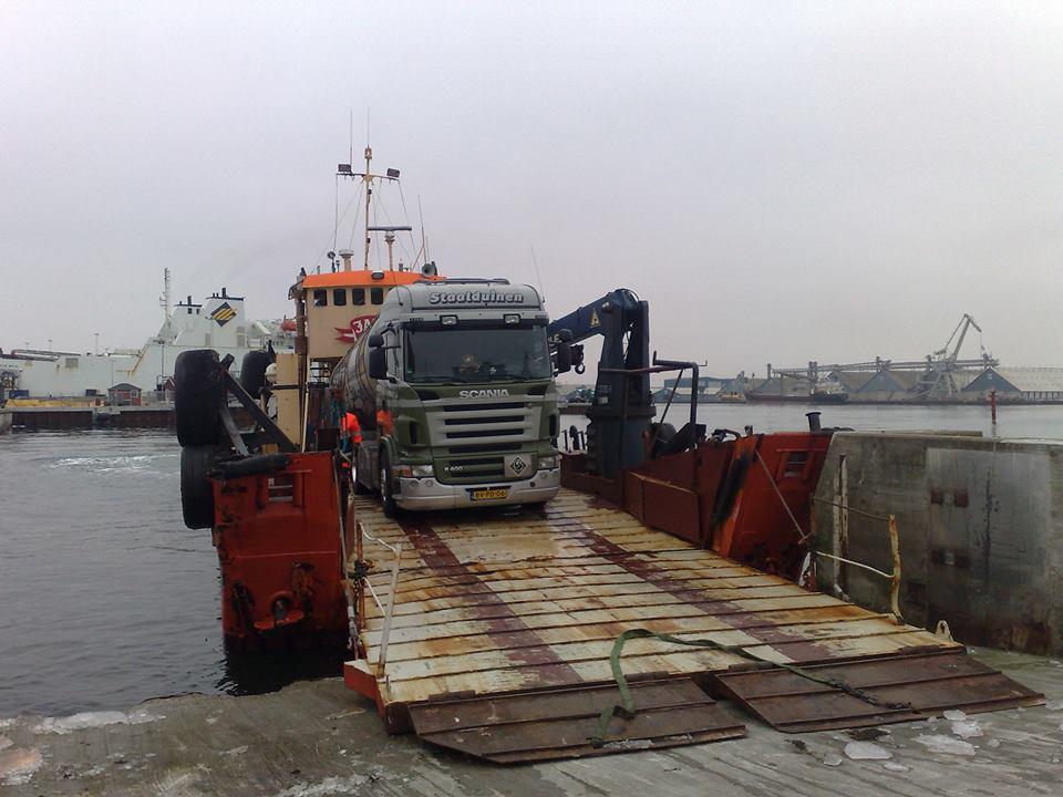 Scania-op-de-ferry-in-DK