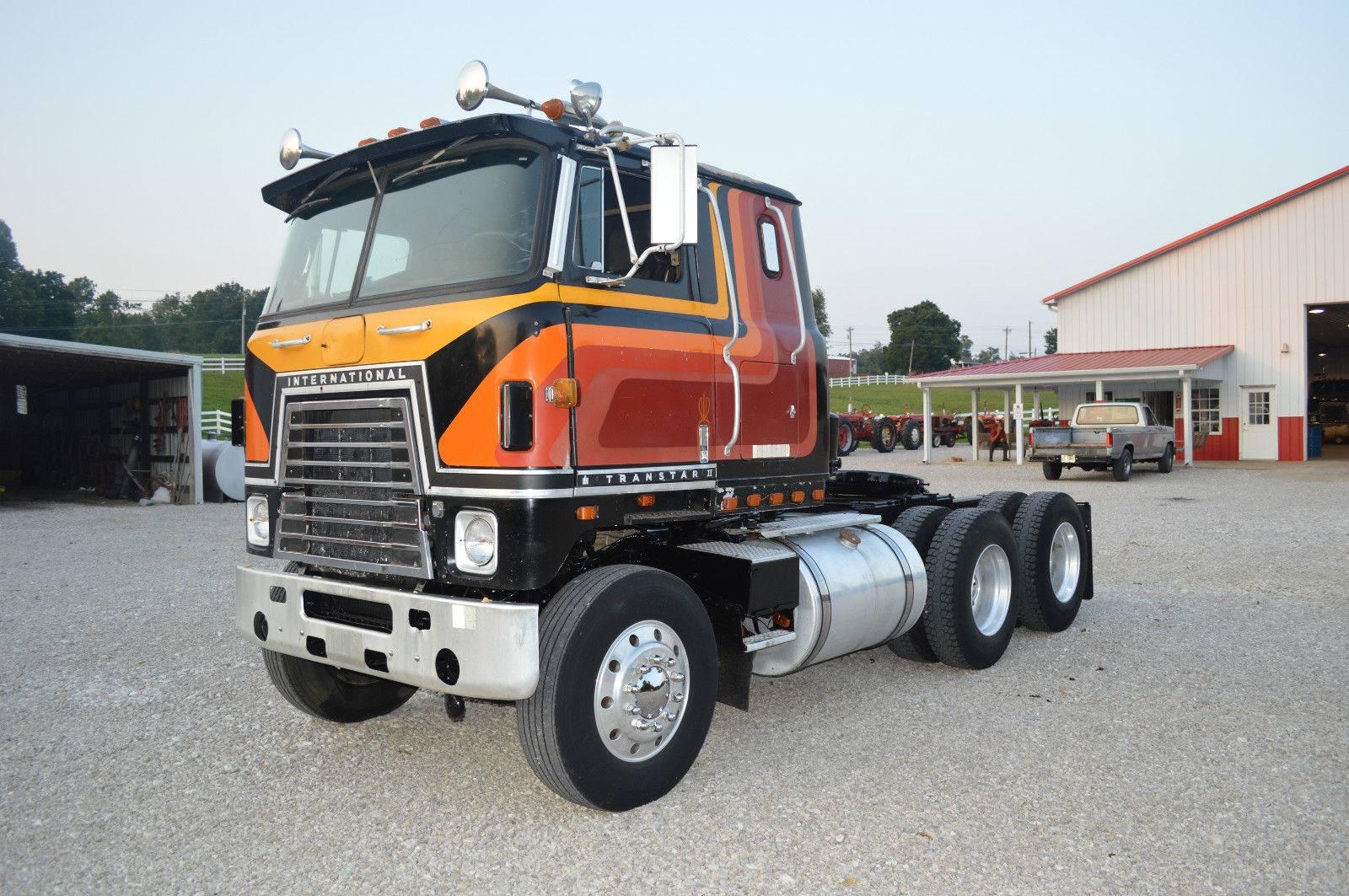 International-4070B-1981-1