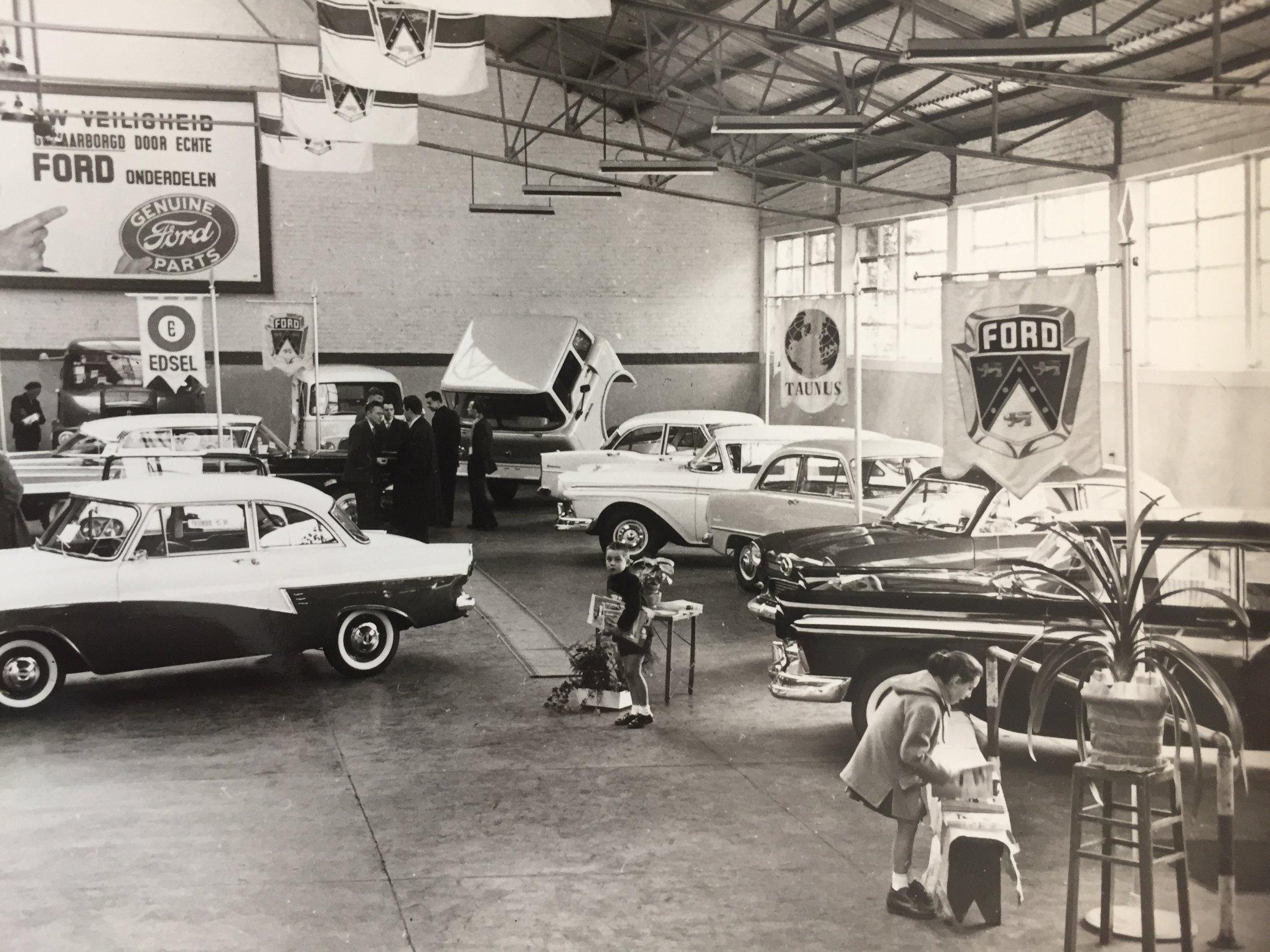 Garage-Ford-show-jaren-5--60Van-den-Poel-Motors