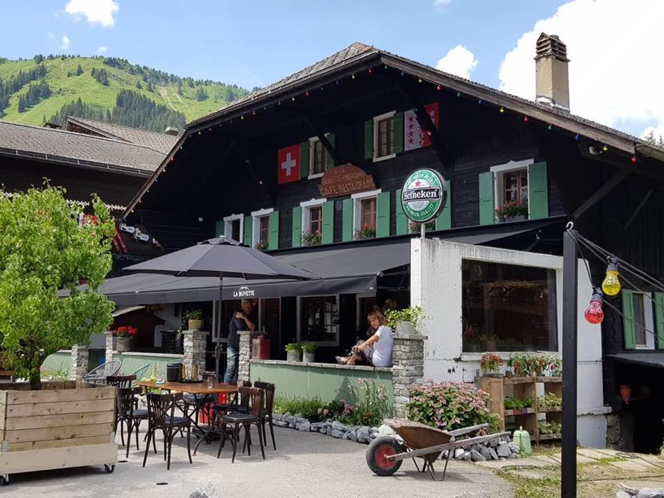Onze-mensen-net-klaar-in-Morgins-Zwitserland-2-6-2018-2