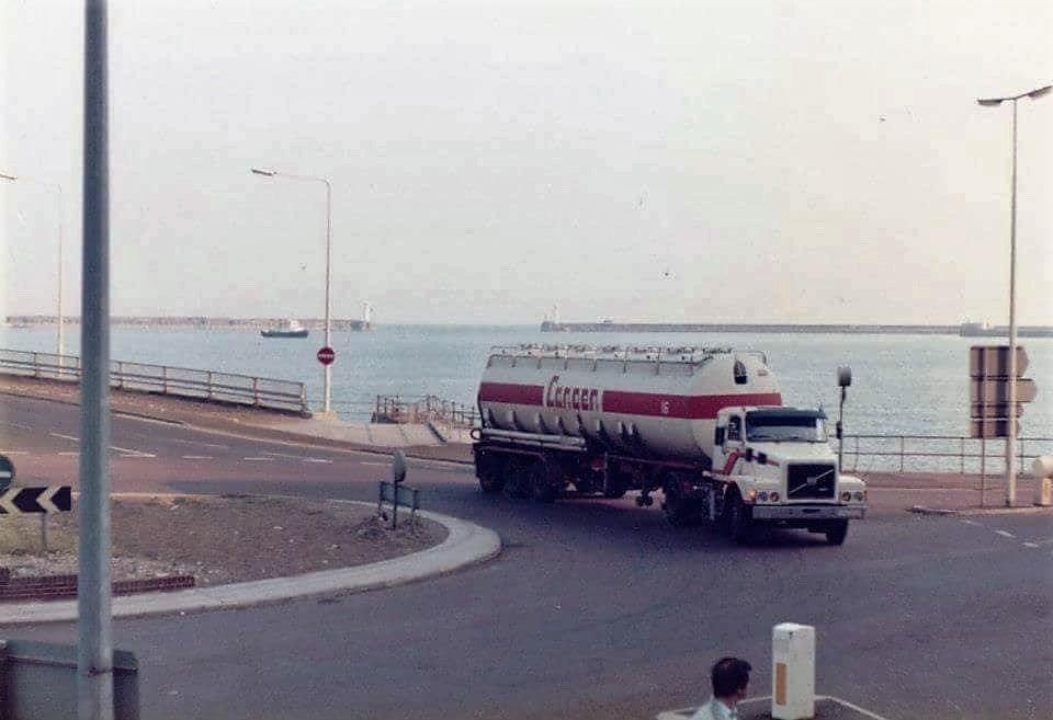 volvo-van-de-ferry-komend