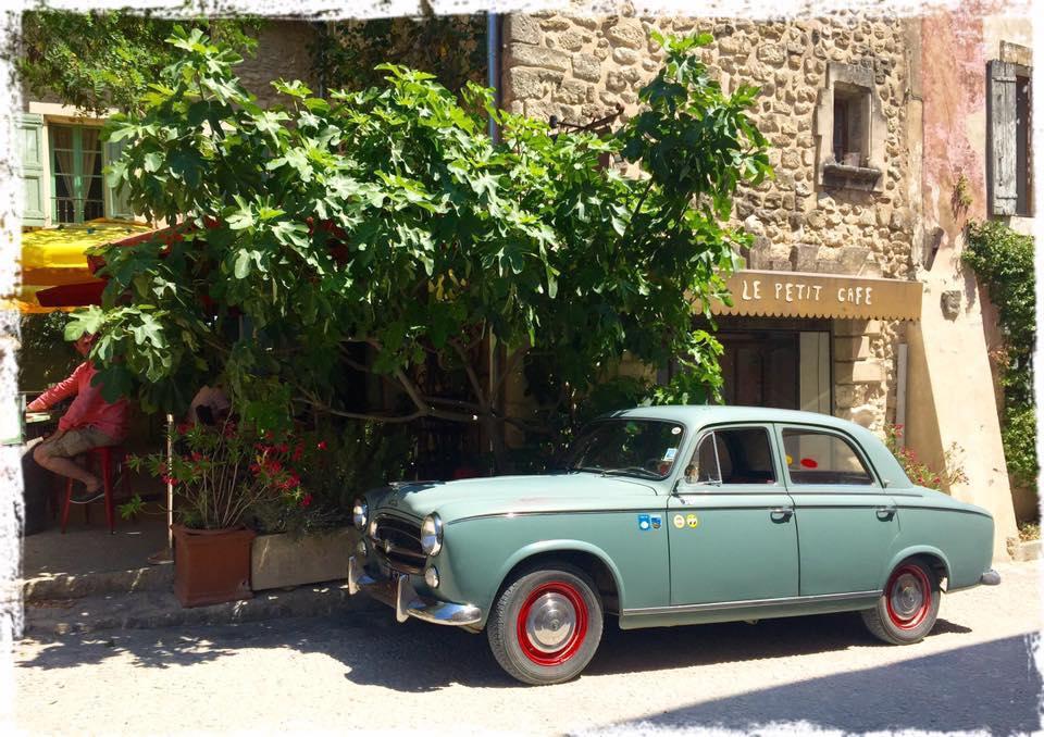 Peugeot-403-1