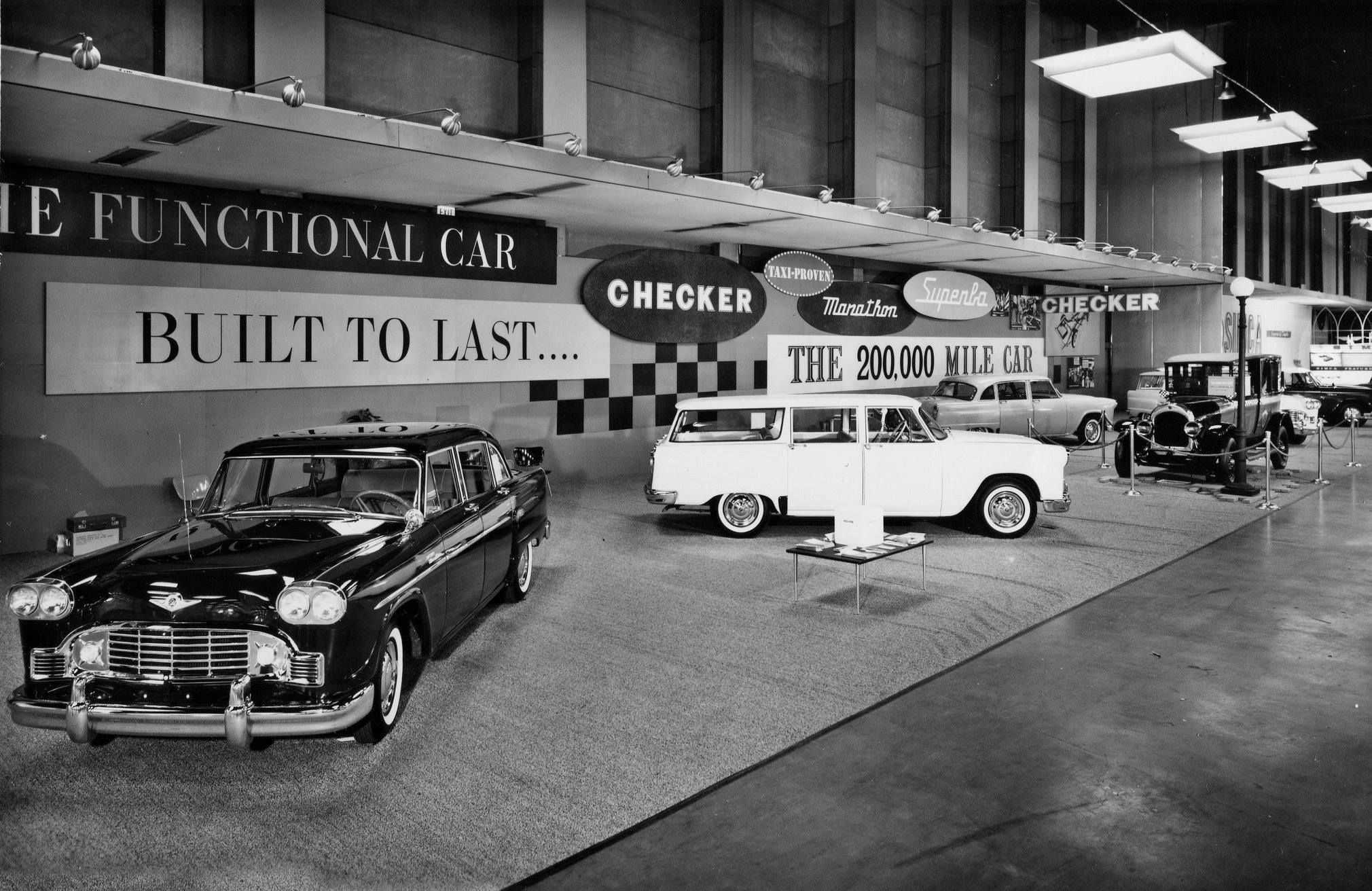 Checker-at-Chicago-Auto-Show-1960-4