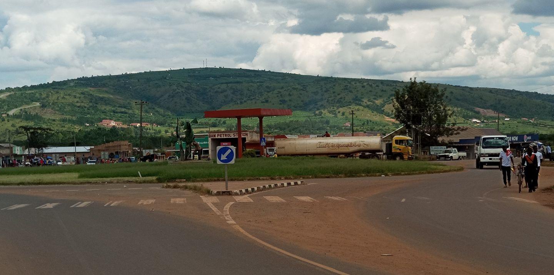 2-6-2018-Mkhaleedy-Mwanja-terug-van-Usingilo-Mbarara-to-Kampala[1]