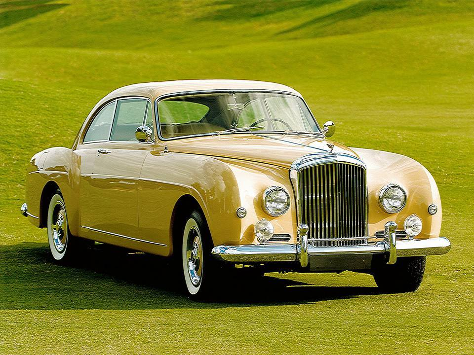 Bentley-R-Type-4 12 -Litre-Sports-Saloon-1954