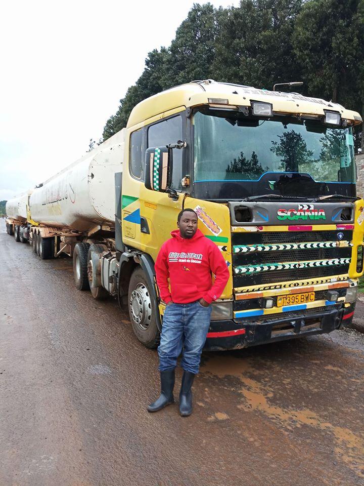 Mkhaleedy-Mwanja--Kenya-pipeline-eldoret[1]
