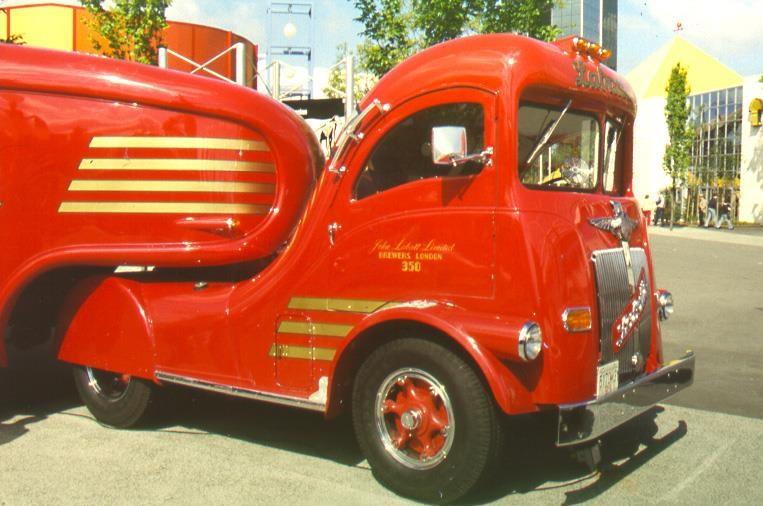 The-Labatt-s-Streamliner--1937-1947-1