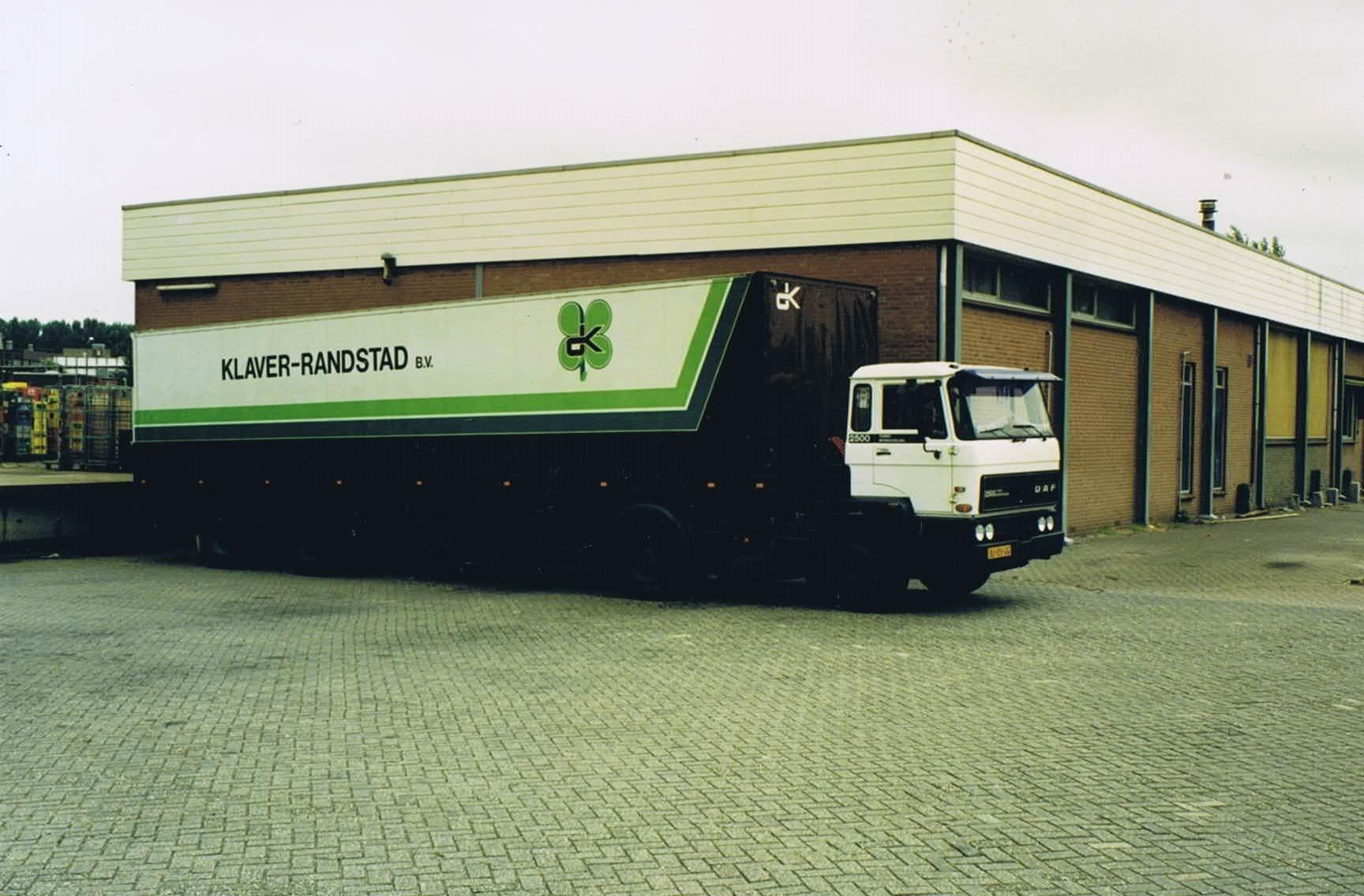 1985-DAF_2500_trailer_levenmiddelendistributie